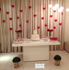 Decoração de casamento simples: 100 fotos + tutoriais para o grande dia Wedding Cake Table Decorations, Diy Diwali Decorations, Anniversary Decorations, Birthday Decorations, Wedding Fotos, Baby Shower Deco, Romantic Room, Gold Wedding Invitations, Party Props