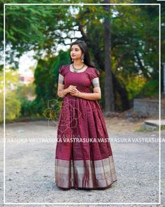These Ethnic Long Dresses Will Give The Most Elegant Looks!! • Keep Me Stylish Blouse Designs Silk, Dress Neck Designs, Stylish Dress Designs, Stylish Dresses, Indian Gowns Dresses, Indian Fashion Dresses, Long Gown Dress, Long Dresses, Long Frocks For Girls