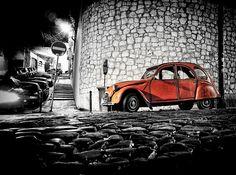 Deux Chevaux    Citroen 2CV  captured in Castelo / Lisbon