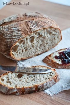 Ivka w kuchni: Chleb pszenny na zakwasie z Vermont Polish Recipes, New Recipes, Bread Recipes, Cooking Recipes, Polish Food, Amish White Bread, Our Daily Bread, Sourdough Bread, Bread Rolls