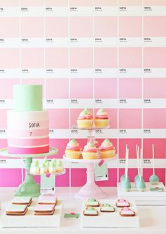 pink-pantone-dessert-table                                                                                                                                                                                 Mais