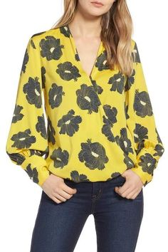 Upgrade your outfits by using a touch of style and relaxation along with blouses. High Waisted Pencil Skirt, Wrap Blouse, Women's Fashion Dresses, Dresses For Sale, Floral Blouse, Blouses For Women, Autumn Fashion, Silk, My Style