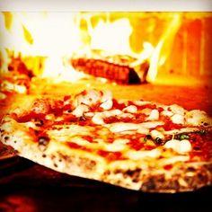 #Larvotto Ce soir pizza au feu de bois !!! #sunday #sundaypizza #evening #pizzeria #pizza #montecarlo #monaco #pomodoro #mozzarella #basilico #sanremo #festivaldisanremo #lasaliere #twiga by erlukino from #Montecarlo #Monaco