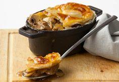 Recipe photo: Rustic steak and mushroom pie Steak And Mushroom Pie, Steak And Mushrooms, Stuffed Mushrooms, Steak And Guinness Pie, Spaghetti, Steak Recipes, Food Photo, Macaroni And Cheese, Yummy Food