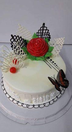 Cake Decorating Frosting, Cake Decorating Designs, Creative Cake Decorating, Birthday Cake Decorating, Creative Cakes, Cake Designs, Cake Decorating For Beginners, Cake Decorating Techniques, Cake Decorating Tutorials