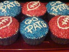 Okay... I had to do something to show my New England pride...... Superbowl Cupcakes! Let's go Patriots!