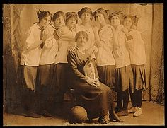 Citation: Louise Nevelson with her basketball teammates, 1913 / unidentified photographer. Louise Nevelson papers, Archives of American Art, Smithsonian Institution.