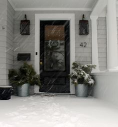 Love the stencil on the glass storm door:)                                                                                                                                                                                 More