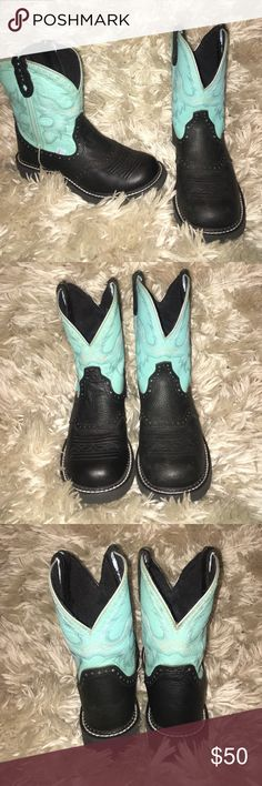 Justin Gypsy Round Toe Boots Teal and black Justin Gypsy Round Toe Boots - wore once just not my style Justin Boots Shoes Combat & Moto Boots