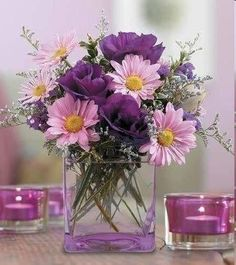 purple centerpiece wedding