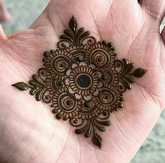 Collection of creative & unique mehndi-henna designs for girls Henna Hand Designs, Henna Tattoo Designs, Round Mehndi Design, Mehndi Designs Finger, Mehndi Designs For Kids, Mehndi Designs Book, Mehndi Designs For Beginners, Modern Mehndi Designs, Mehndi Design Photos