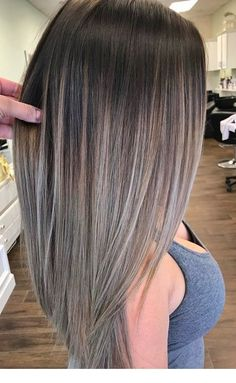 Frisuren und farbe Asch blonde Frisuren What Did Reagan Know About UFO's Reagan seemed more enthrall Balayage Auburn, Balayage Hair Blonde, Ash Blonde, Brunette Hair, Platinum Blonde, Blond Hairstyles, Winter Hairstyles, Rides Front, Violet Hair
