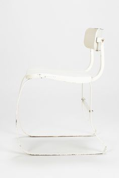 Herman Sperlich Ironrite Health Chair, 1938. This version is completely made of lacquered metal. Adjustable backrest - Okay Art