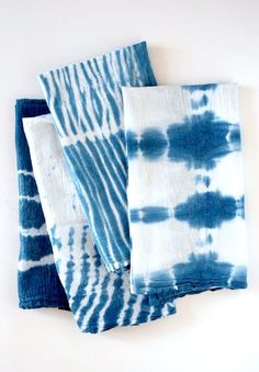 These flour sack dish towels by Alice & Lois were created using four different tying techniques.