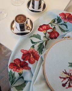 Cross Stitch, Pillows, Bath Linens, Herbs, Crossstitch, Cross Stitch Designs, Watercolor Painting, Dots, Blue Prints