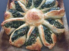 Fabulosa receta para Tarta girasol. Tarta de espinaca pero con forma de girasol queda divina la presentación, es para lucirse con una receta clásica de siempre.