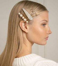 Stock Up–These 10 Trends Will Definitely Still Be a Thing in 2019 Pixie Market Pearl, Gold, and Enamel Clip Set hair clips trendsOf all the beauty trendsThe 3 Hair Trends I Am We Set Fashion, Fashion Beauty, Fashion Trends, Fashion Hair, Fashion Bloggers, Fall Fashion, French Fashion, Hair Accessories For Women, Fashion Accessories