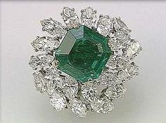 1. Emerald and Diamond Brooch (Cartier)_    Jewels of the Duchess of Windsor