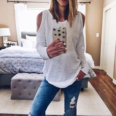 Weekend casual. Love the cute peek-a-boo shoulder on this super soft sweatshirt. Comes in 4 colors! Details via this exact link: www.liketk.it/22IhG #liketkit @liketoknow.it #ltkunder100 #comfy #cute