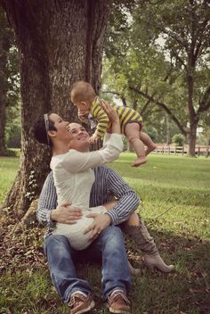 Fall family photos with baby This is so cute! Could also go back to back and do babies flying for family of 4