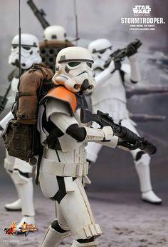 Star Wars Stormtrooper Jedha Patrol Sixth Scale Fig Rey Star Wars, Star Wars Art, Star Wars Spaceships, Imperial Stormtrooper, Star Wars Models, Star Wars Images, Star Wars Action Figures, Star Wars Toys, Clone Trooper