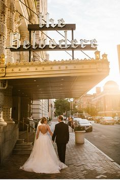 Real Bride Erica in Azalea Wedding Dress from Blue Willow Bride by Anne Barge || Real Wedding Golden & Glamorous Belvedere & Co Wedding || Baltimore, MD || Victoria Selman Photographer Blog