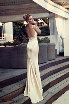 Ladies,if you are looking for an evening dress that will draw a lot of attention take a look at the photos to see the Glamorous Evening Dresses by Nurit Hen Glamorous Evening Dresses, Evening Dresses Uk, Mermaid Evening Dresses, Pretty Dresses, Beautiful Dresses, Sexy Dresses, Prom Dresses, Dresses 2014, Backless Dresses