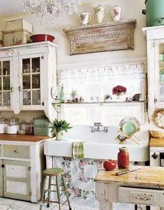 Cottage kitchen - shelf above window
