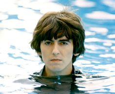 Friends, family and associates of the musician tell the story of his. Un film di martin scorsese con terry gilliam, george harrison, paul mccartney. George harrison living in the material world online streaming. Martin Scorsese, Martin Luther, Paul Mccartney, John Lennon, Foto Beatles, Les Beatles, Beatles Gifts, Beatles Art, Beatles Photos