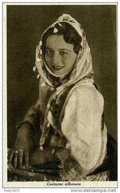 Kostum gruaje shqiptar. Costume féminin albanais. Vestido de mujer albanés. by Only Tradition