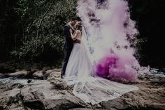 Groom and bride standing outdoors – Fashion – Women fashion Videos Spring Outfits Sites Bella Wedding, Chic Wedding, Wedding Trends, Perfect Wedding, Wedding Gowns, Dream Wedding, Wedding Day, Wedding Photos, Wedding Venues