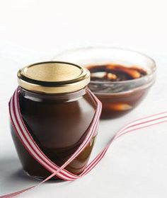 Fudge Sauce | Delicious, low-cost ideas for edible gifts, complete with creative wrapping and packaging suggestions from The Container Store®.