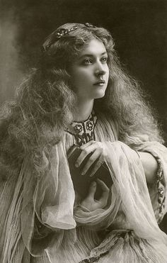 hierarchical-aestheticism:  Maude Fealy (1883-1971)