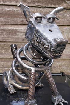 Junk Metal Art, Recycled Metal Art, Metal Garden Art, Scrap Metal Art, Junk Art, Welding Art Projects, Metal Art Projects, Junkyard Dog, Horseshoe Projects