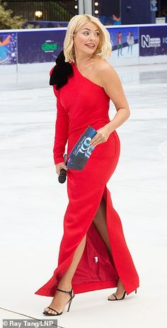 Despite the cool temperatures Holly still strutted her stuff in the skin-baring red frock Curvy Women Outfits, Clothes For Women, Holly Willoughby Hair, Kirsty Gallacher, Red Frock, Phillip Schofield, Sexy Legs And Heels, Flawless Beauty, Tv Presenters
