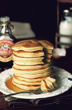 Kanela y Limón: Tortitas americanas Best Breakfast Recipes, Sweet Breakfast, Fun Desserts, Dessert Recipes, My Favorite Food, Favorite Recipes, Dairy Free Pancakes, Crepes And Waffles, Fluffy Pancakes