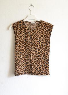 Kup mój przedmiot na #vintedpl http://www.vinted.pl/damska-odziez/bluzki-bez-rekawow/9353736-krotka-do-pepka-koszulka-bluzka-top-panterka-panterka-wzor-panterki-na-ramiaczkach-oversize-s-36