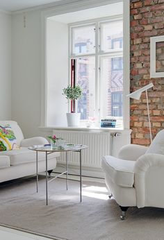 What a cute one bedroom apartment. I love the white painted hardwood floors in. Cozy Living Rooms, Home Living Room, Living Spaces, Painted Hardwood Floors, Boho Deco, Ikea, One Bedroom Apartment, White Apartment, Cozy Room