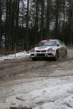 Aw, stupid car riding on the snow! It will slip over when that car goes fast because the road's slippery. Mitsubishi Motors, Mitsubishi Lancer, Evo 9, Good Looking Cars, Off Road Racing, Japan Cars, Import Cars, Rally Car, Vroom Vroom
