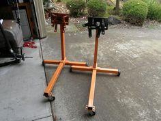 Power Tool Storage, Garage Tool Storage, Garage Tools, Car Tools, Old Car Restoration, Metal Workshop, Garage Workshop, Engine Stand, Old Gas Pumps