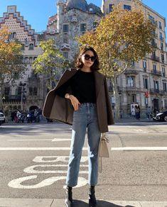 street style Archives - This Is Glamorous Image Fashion, Look Fashion, Korean Fashion, Girl Fashion, Mode Outfits, Chic Outfits, Fashion Outfits, Fall Winter Outfits, Autumn Winter Fashion