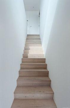 Simple oak & drywalled staircase