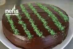 Çikolatalı Ganaj Kaplamalı Pratik Yaş Pasta Tarifi nasıl yapılır? 678 kişinin defterindeki bu tarifin resimli anlatımı ve deneyenlerin fotoğrafları burada. Yazar: Funda Arda