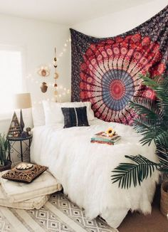 35 Amazingly Pretty Shabby Chic Bedroom Design and Decor Ideas - The Trending House Bohemian Bedroom Decor, Home Decor Bedroom, Bedroom Furniture, Living Room Decor, Bedroom Ideas, Bedroom Designs, Cozy Bedroom, Tapestry Bedroom Boho, Bedroom Rustic