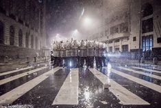 """Winners of the 2015 Urban Photography Competition Shine a Light on Diverse Urban Life Around the World - 00:00 Winner: """"Managing Influence"""" by Pedro Guimaraes Lins Machado – Brazil"""