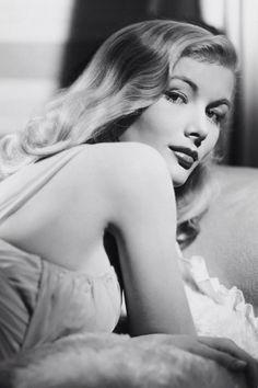 Veronica Lake, 1940.