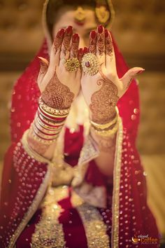 Gorgeous bridal mehendi or henna designs. Statement rings. Bridal manicure. © coffee cloud photography