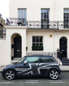 Cool Britannia! Belgravia town house and a British icon