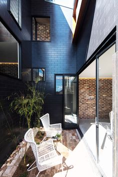 A Sydney House with an Industrial Past Incorporates Some of those Elements - Design Milk