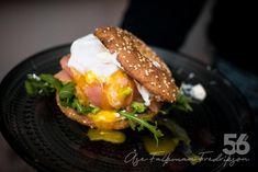 Bönbröd - Bönfrallor / Bagels New Recipes, Low Carb Recipes, Lchf, Our Daily Bread, Bagels, Hamburger, Paleo, Ethnic Recipes, Bra